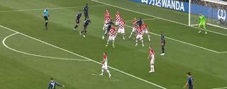 فرنسا تحرز لقب كأس العالم للمرة الثانية بالفوز على كرواتيا 4-2