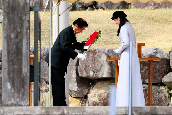 Princess Kako, a granddaughter of Emperor Akihito, visited the Musashino Imperial Mausoleum in Hachioji