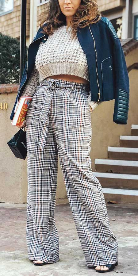 Plaid wide leg pants | 21 womens winter jackets and winter fashion jackets to copy in your stylish winter outfits. Black winter jackets to White winter jackets. Warm Jacket fashion via higiggle.com #outfits #style #fashion #jackets