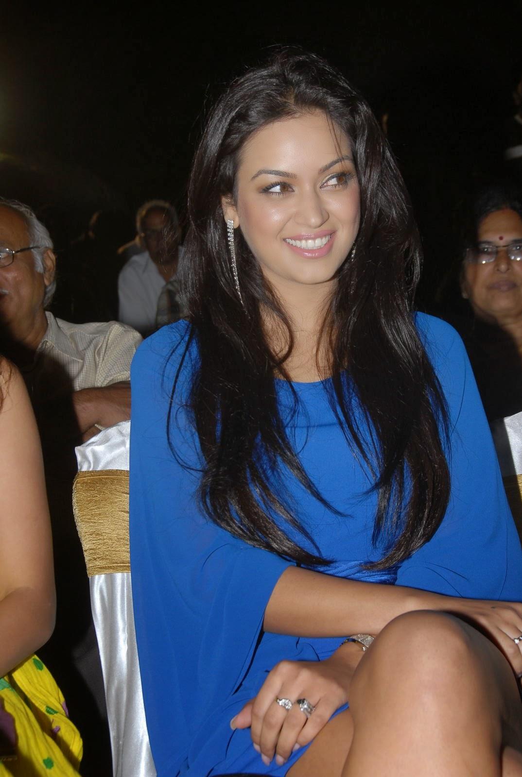 Bollywood actress tanushree dutta erotic nude scene - 3 3