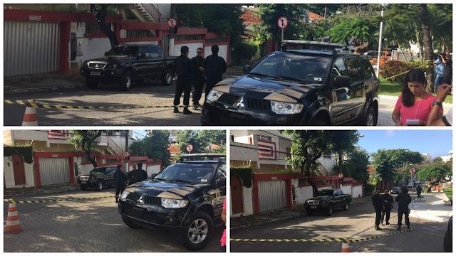 Policia Federal cerca praça Carlos Batalha para busca e apreensão na sede do PT