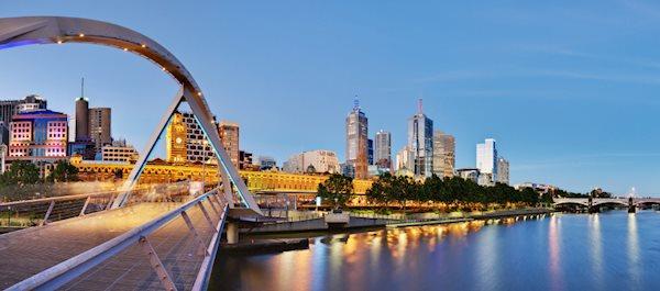Pour votre voyage Melbourne, comparez et trouvez un hôtel au meilleur prix.  Le Comparateur d'hôtel regroupe tous les hotels Melbourne et vous présente une vue synthétique de l'ensemble des chambres d'hotels disponibles. Pensez à utiliser les filtres disponibles pour la recherche de votre hébergement séjour Melbourne sur Comparateur d'hôtel, cela vous permettra de connaitre instantanément la catégorie et les services de l'hôtel (internet, piscine, air conditionné, restaurant...)