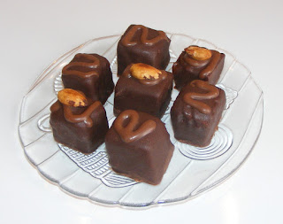 bomboane, ciocolata, praline, dulciuri, deserturi, prajituri, retete, bomboane de casa, trufe de ciocolata cu unt de arahide, desert,