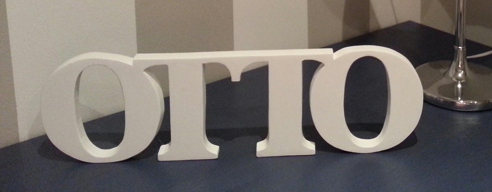 olga ha tenido la amabilidad de pasarnos estas fotos de las letras colocadas en su hogar