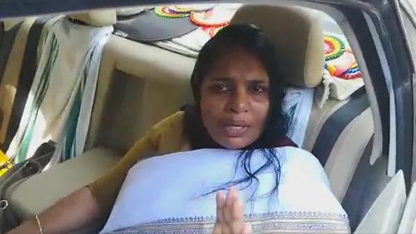 Kerala, Thiruvananthapuram, News, Women, Assault, Congress, Police, Case, Shahida Kamal assaulted in Pathanapuram; Women commission protested