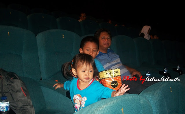 Mengajak Anak-Anak Menonton Film di XXI The Breeze Mall BSD