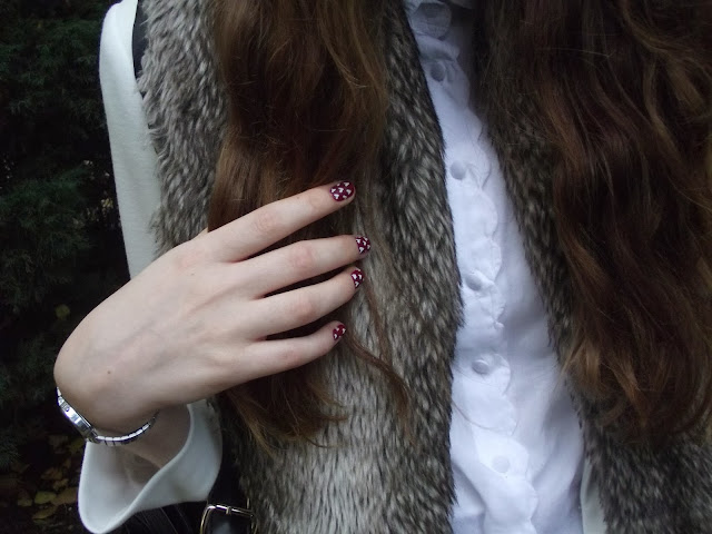 faux fur, how to wear faux fur, how to wear tartan, burberry nails, burberry aw13 fw13, nail art, heart print