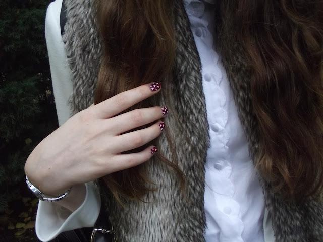 faux fur, how to wear faux fur, how to wear tartan, burberry nails, burberry aw13 fw13, nail art, heart print