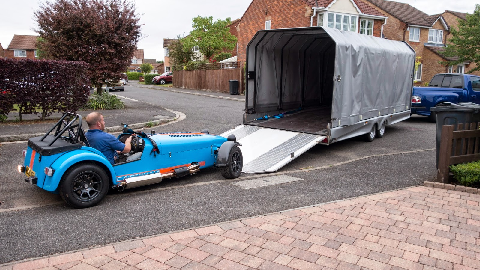 My Caterham R500 being unloaded after it's first service.