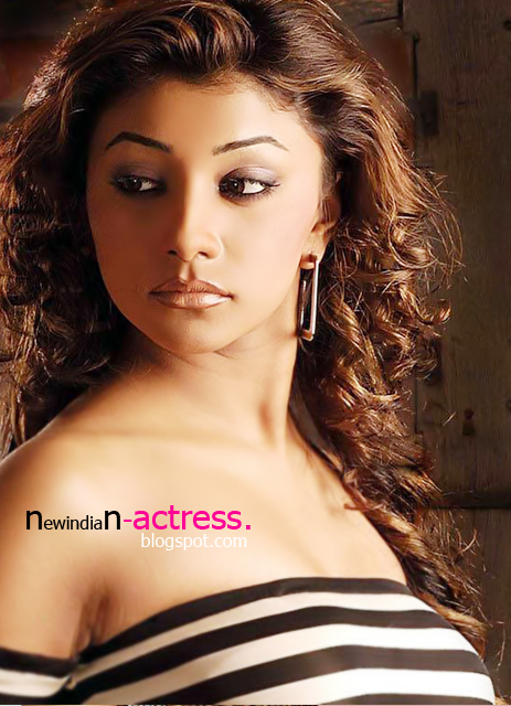 Deepal Shaw expose her sexy things, Charming Actress