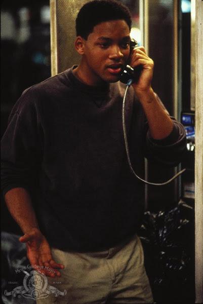 1993 年演出「六度分隔」的威爾史密斯有夠年輕,誰會知道他後來演出那麼多膾炙人口的科技電影?MGM 於 IMDb 上的劇照