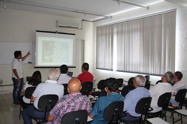Prefeitura de Registro-SP apresenta estudo para profissionalização do serviço de Táxi