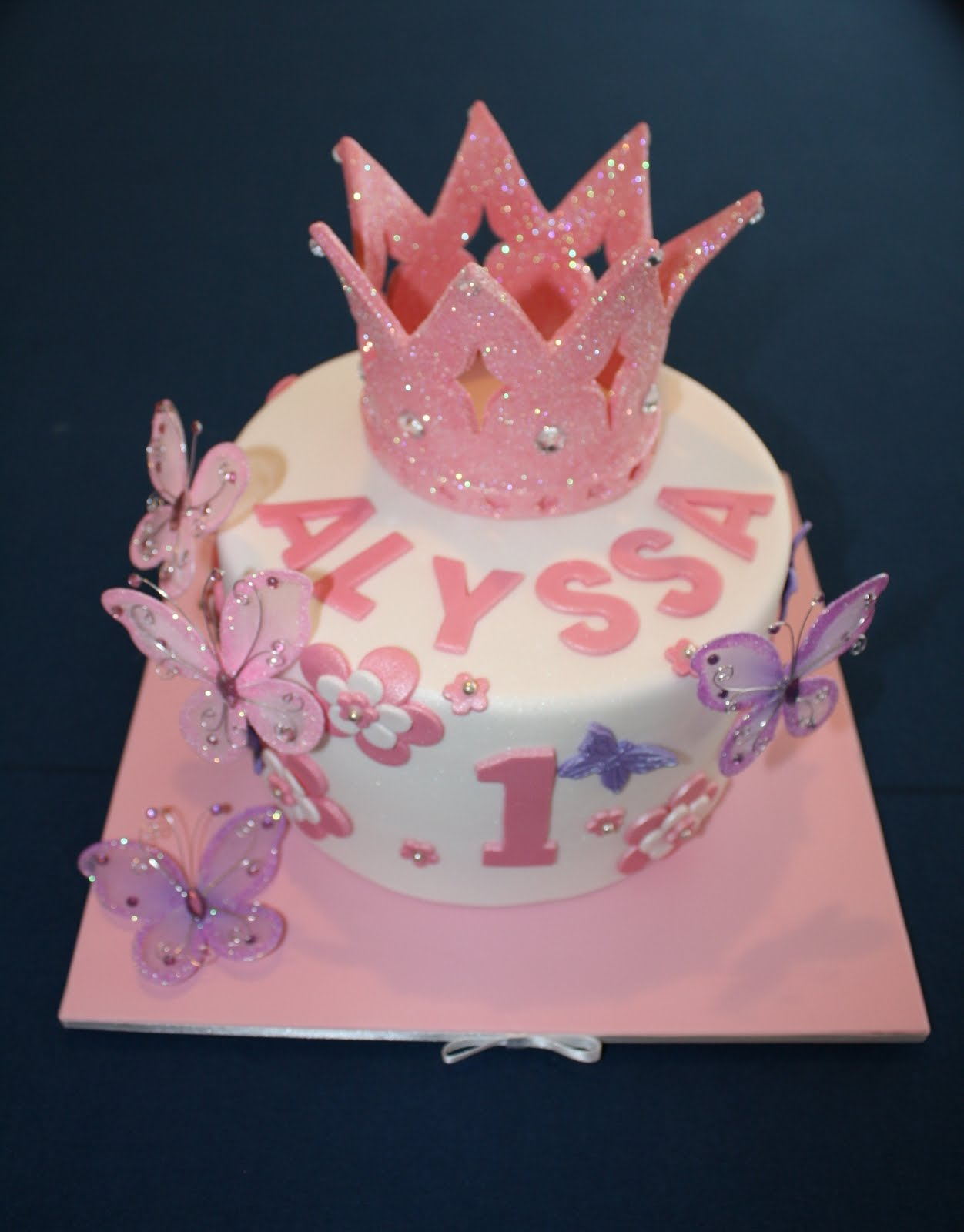 Sandy S Cakes Alyssa S Princess Crown For Her 1st Birthday