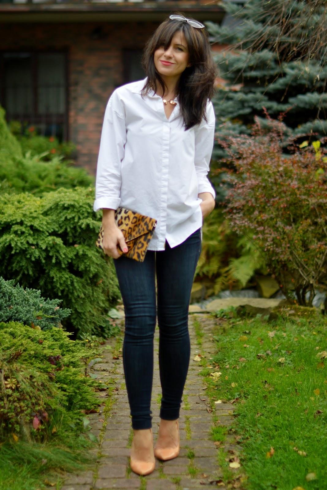 0a52b7e1 Szafa Aleksandry: Klasyczna biała męska koszula dla kobiet