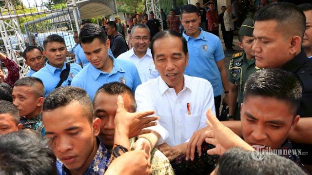 Jokowi: Datang ke Pasar Nggak Beli Apa-apa, Pas Keluar Bilang Mahal, Haduuh...