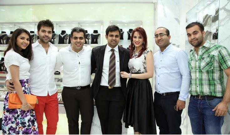 Simran Sawlani, Rohit Sawlani, Lov Sawlani, Kapil Jethwani, Bharti Jethwani, Deepak Sawlani and Sunny Sawlani, Jacqueline Fernandez Launches Meena Jewellers in Dubai