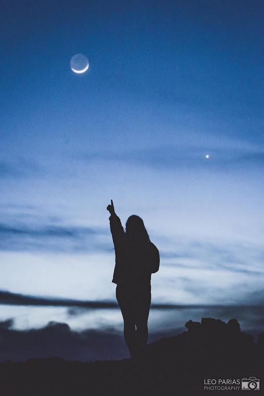 Sao Kim là chấm sáng rất nổi bật ở bầu trời hướng tây sau khi Mặt Trời vừa lặn. Hãy nhìn về bầu trời hướng tây để quan sát Sao Kim, là thiên thể sáng nhất trên bầu trời chỉ sau Mặt Trời và Mặt Trăng. Hình ảnh: Leo Parias.