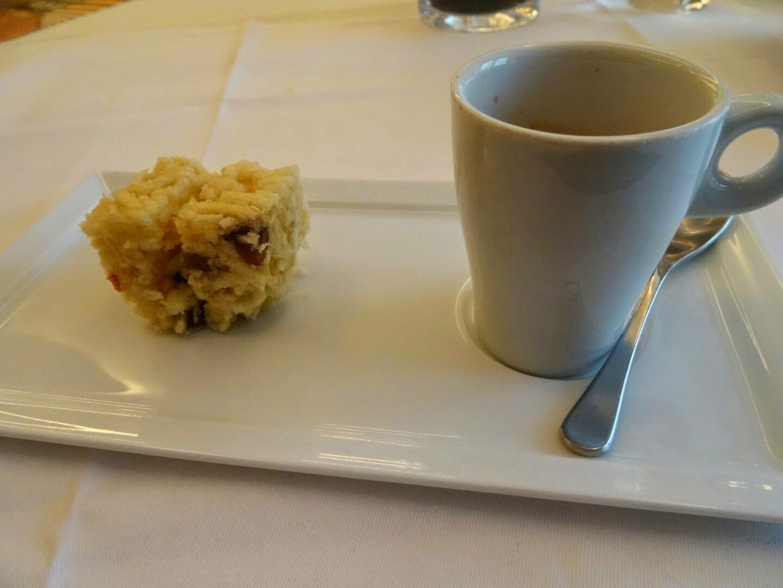 Café et Mignardises restaurant chinois Family Li Impérial Cuisine Paris 8 ème.