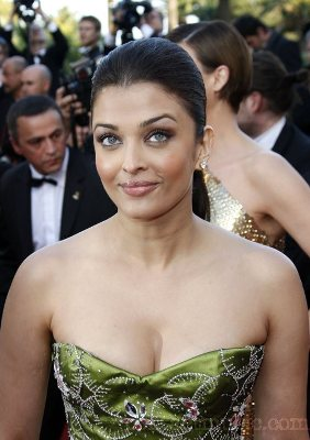Aishwarya rai hot sexy boobs