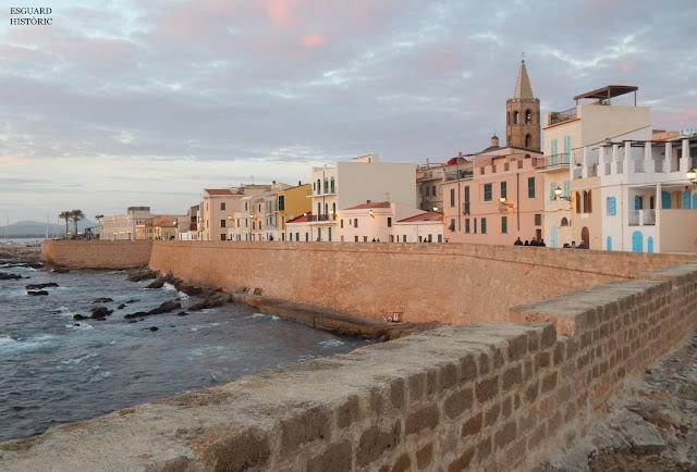 Muralles de l'Alguer al capvespre