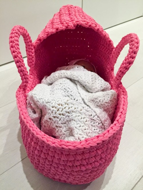 Gorgeous Crochet Doll's Carry Basket - Free Pattern