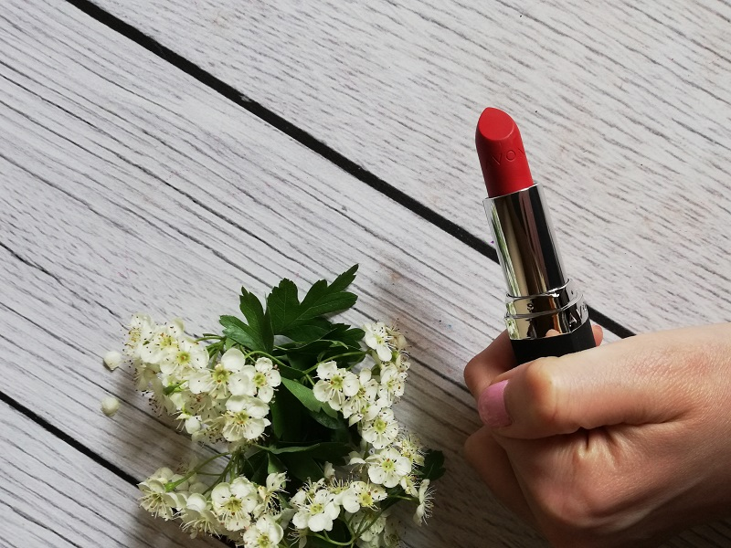 Avon True Color Sunbaked Red