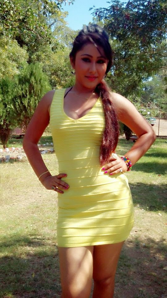 hot bhojpuri item girl photo