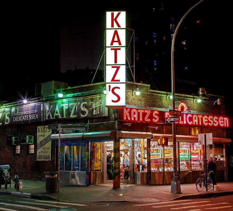 Katzs Katzsdeli Serves On Average 5000 Pounds Of Corned Beef 2000 Pounds Of Salami And 12000 Hot Dogs Happy New Year To Everyone Who Celebrates