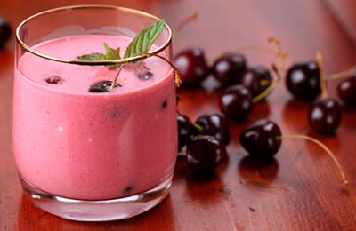 Cara Mengobati Asam Urat dengan Cherry Vanilla Shake