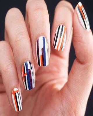 diseño de uñas abstracto