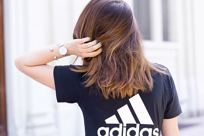 Adidas tshirt outfit fashion blogger
