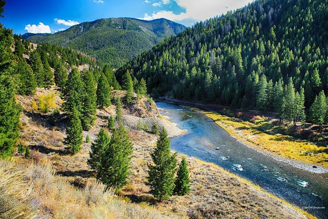 Salmon River Idaho geology field trip travel copyright RocDocTravel.com