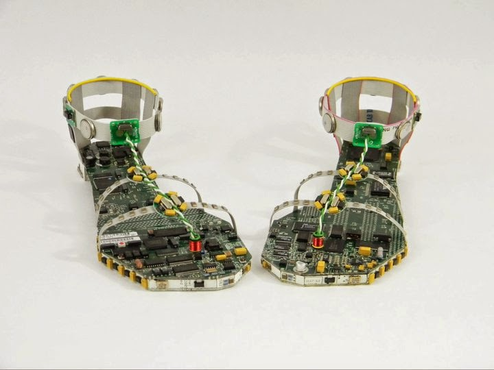13-Shoes-3-Steven-Rodrig-Upcycle-PCB-Sculptures-from-used-Electronics-www-designstack-co