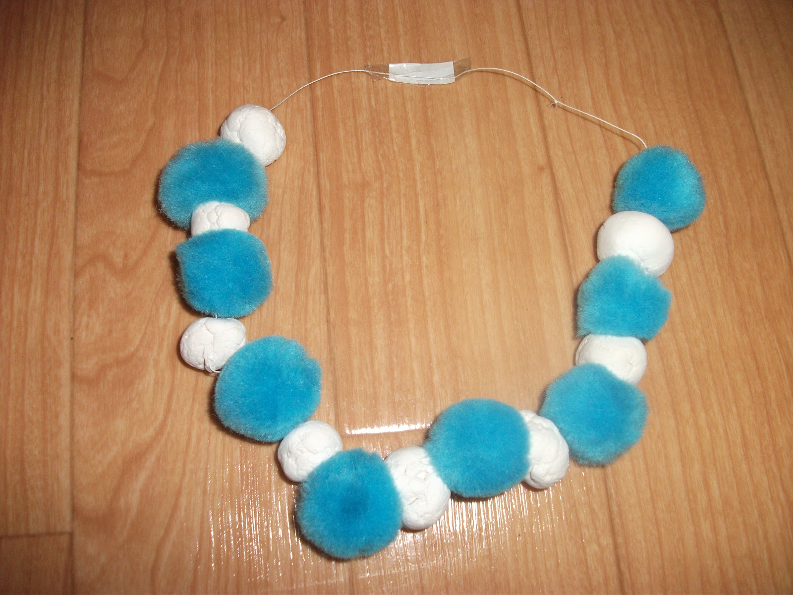 Easy Snowball Necklace Craft