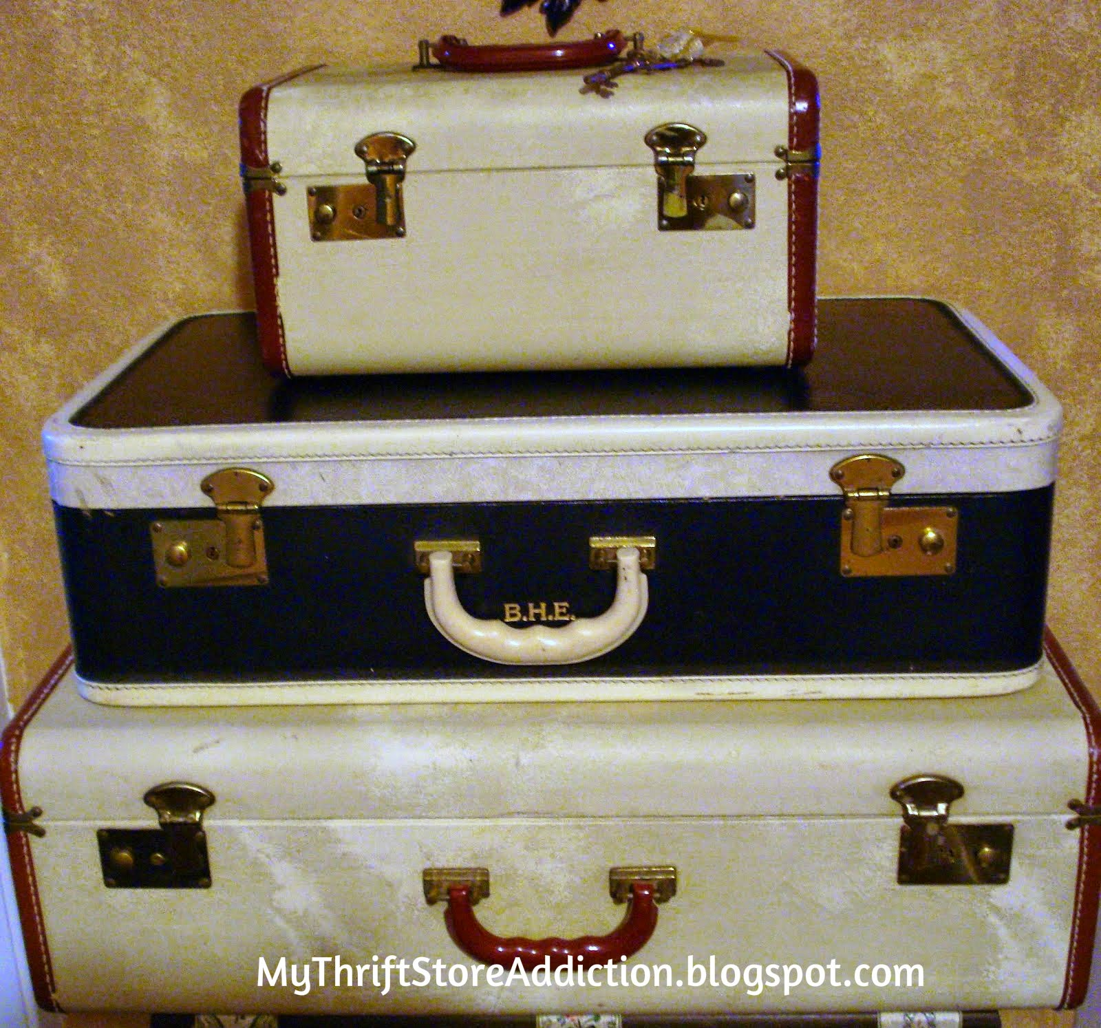 Vintage luggage storage