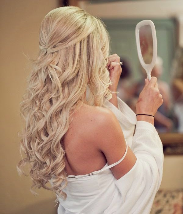 Cute Prom/Homecoming Hairstyle. Thinking about it.......