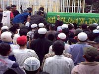 Ini Hukum Berpakaian Hitam Saat Melayat Dalam Islam