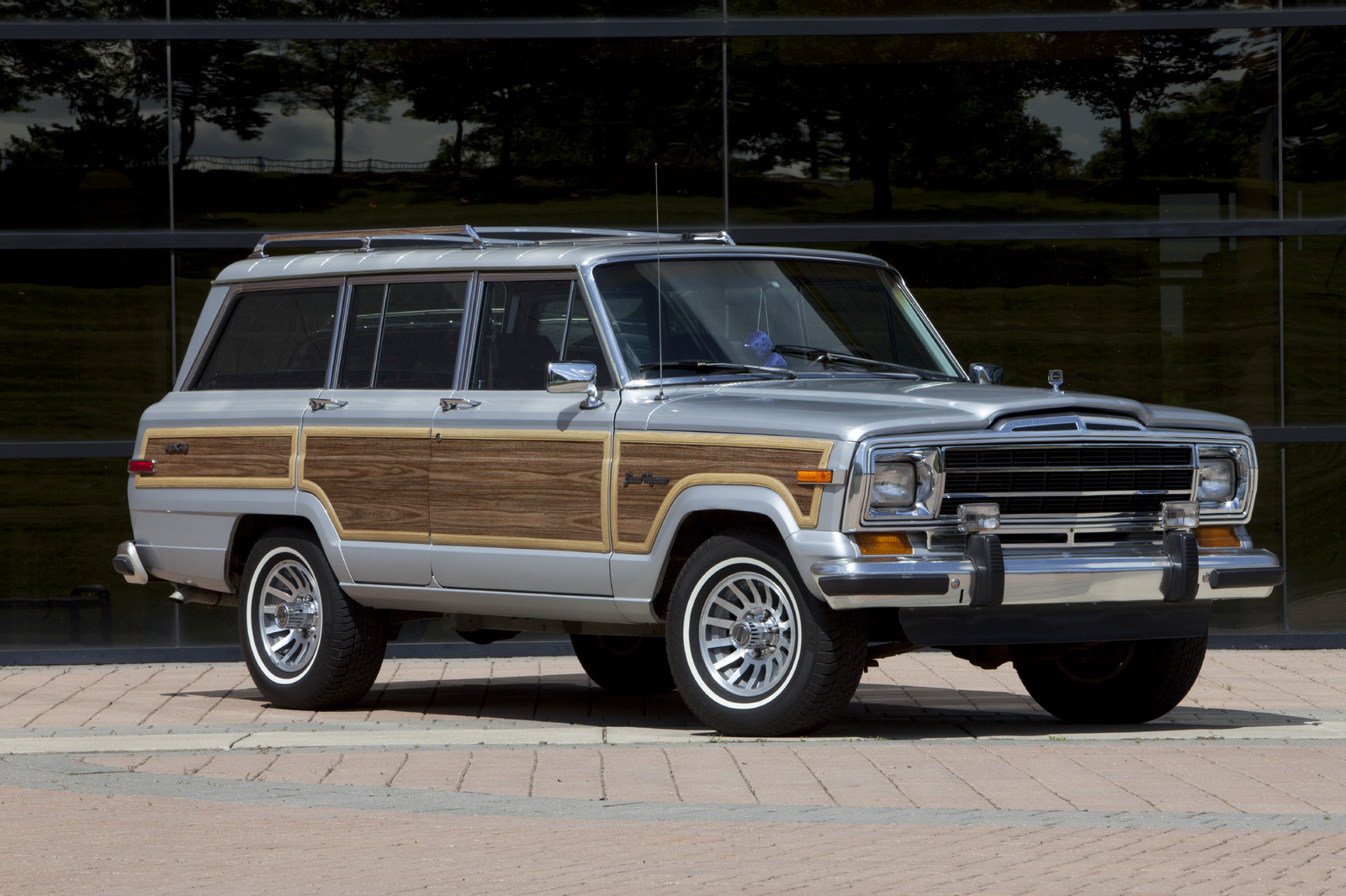 2019 wagoneer and grand wagoneer to top out jeep range carscoops. Black Bedroom Furniture Sets. Home Design Ideas