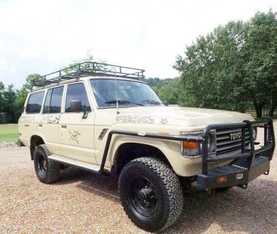 Landcruiser rental for upper mustang tour