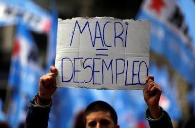 Durante el partido Argentina - Croacia, el INDEC aprovechó a publicar el aumento del desempleo en Argentina al 9,1%