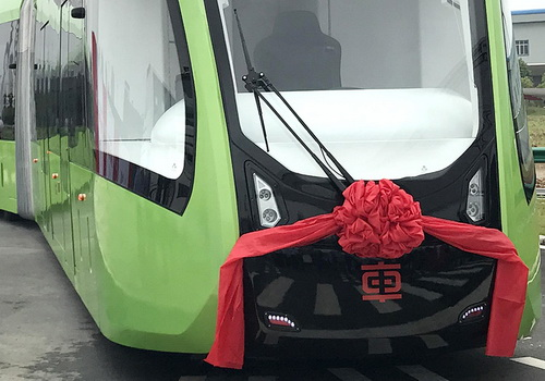 www.Tinuku.com CRRC Zhuzhou operates the first driverless and railless railway
