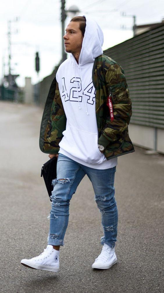 look masculino com jaqueta camuflada