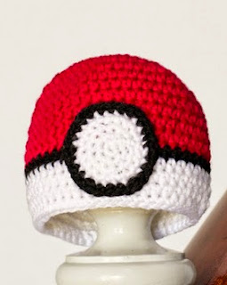 http://translate.google.es/translate?hl=es&sl=en&tl=es&u=http%3A%2F%2Fwww.hopefulhoney.com%2F2014%2F11%2Fnewborn-pokemon-pokeball-inspired-hat.html