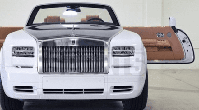 United states Boxer  Floyd Mayweather  purchased his sweetheart a $550,000 Rolls Royce