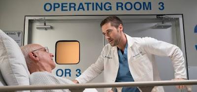George Wyne faz um paciente atendido pelo personagem de Ryan Eggold em New Amsterdam