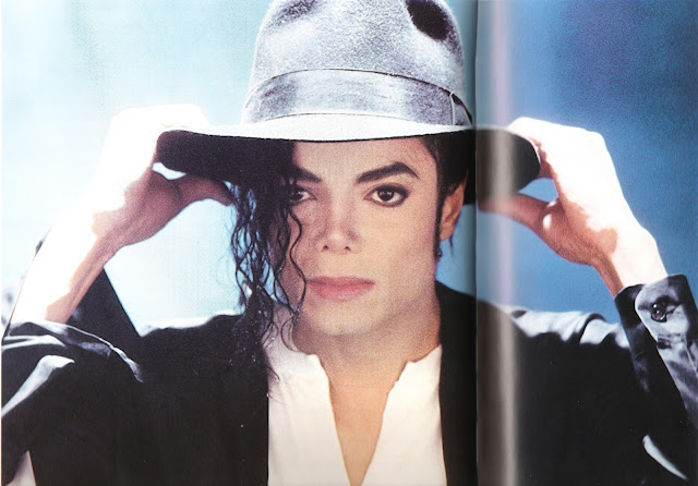 Lirik Lagu Hollywood Tonight ~ Michael Jackson