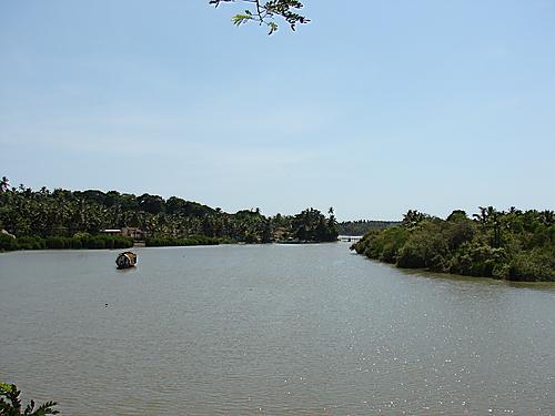 Thalasserry River or Ponnayam River (Kuyali Puzha)