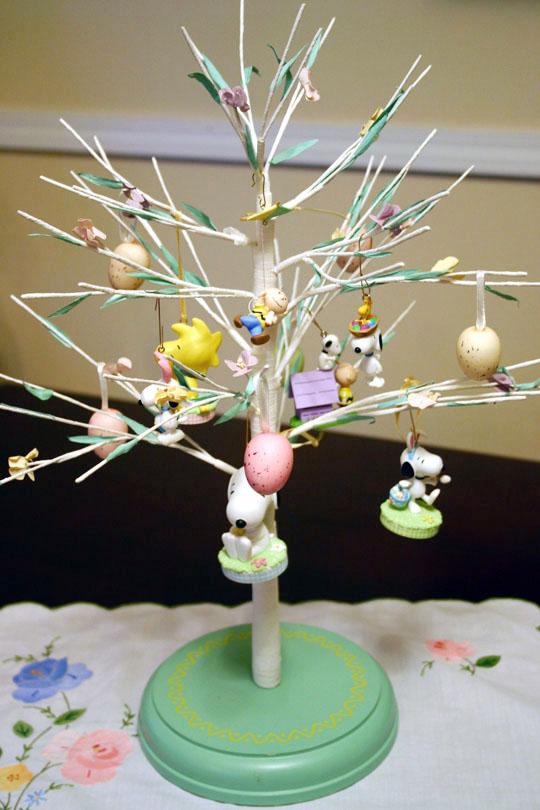 Etcetera Springtime Snoopy Tree