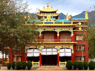 Chokling Monastery in Bir