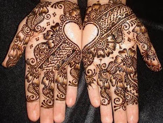 Easy-heart-shaped-mehndi-designs-images-for-hands-7